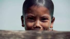 Tayland'da bir kabilenin çocukları suyun altında yunuslar kadar iyi görebiliyor!