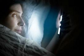 Mavi ışığa maruz kalmak uyku kalitemizi nasıl etkiler?