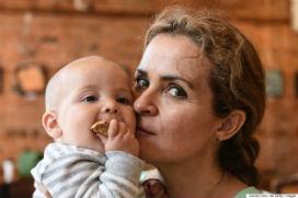 İleri yaşlarda anne olmak çocukların sosyal ve duygusal gelişimlerini olumlu etkiliyor.
