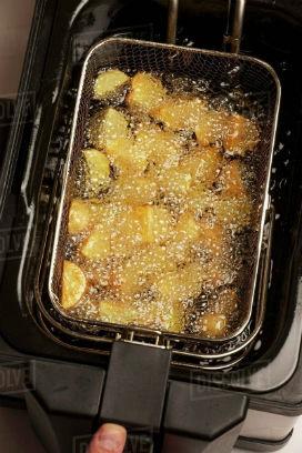 Mutfakta Bilim: Patatesler kızarırken neden yağın üstünde yüzer?