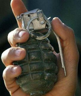 El Bombası Ateşli Bir Silahla Vurulsa Patlar mı?