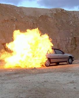 Bir Aracın Benzin Deposuna Ateş Edilerek Patlama Yaratılabilir mi?