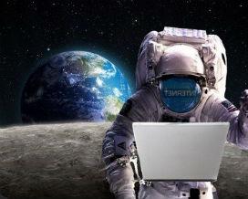 Ay'da İnternet Çeker mi?