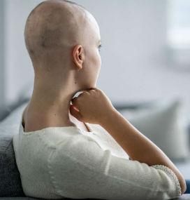 Neden Kemoterapi Saçların Dökülmesine Yol Açar?